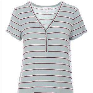 Striped half button v-neck t-shirt